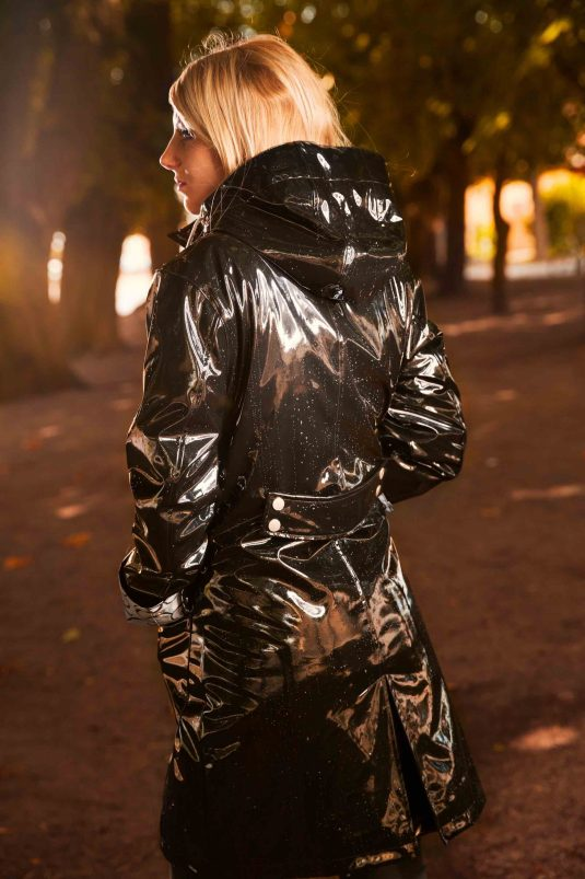 Osregn Womens Raincoat - Shiny Liquorice Black